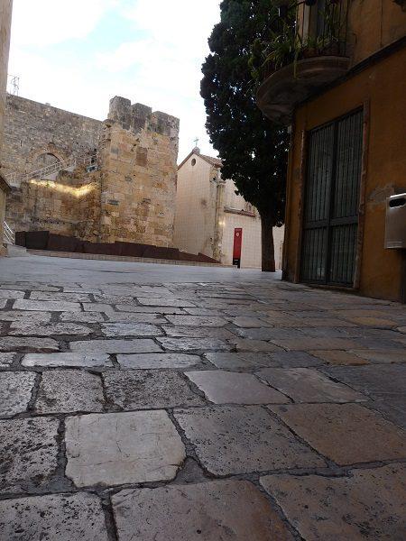 Tarragona Altstadt Platz vor Museum