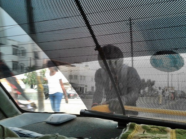 Mitfahrer am Taxi  Dakar Senegal