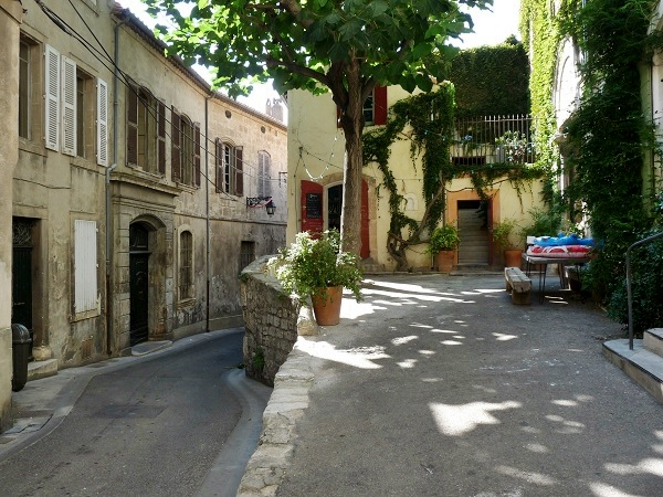 Arles Provence Haus Ecke