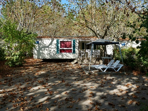 Camping im Herbst Bungalow Provence