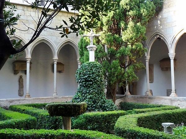 Castell Peralada Kreuzgang Convent Carme