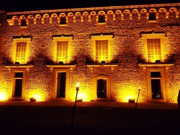 Peralada Schloss bei Nacht