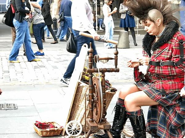 Edinburgh Festival  Spinnerin