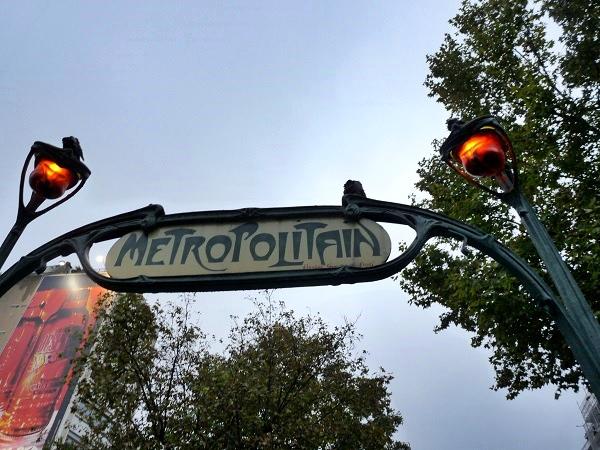 Paris Pigalle Metro
