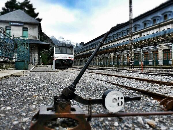 HUESCA Canfranc Estacion verlassener Bahnhof