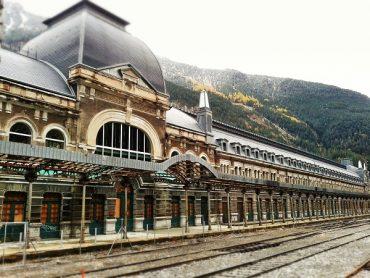 Canfranc Estacion verlassener Bahnhof HUESCA