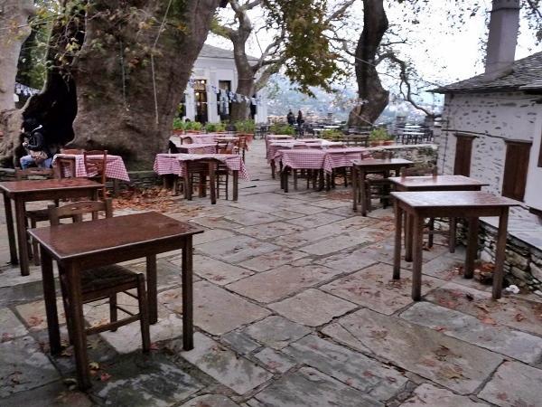 Griechenland Pelion Makrinitsa Dorfplatz