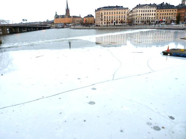 Eis Brücke nach Södermalm Stockholm