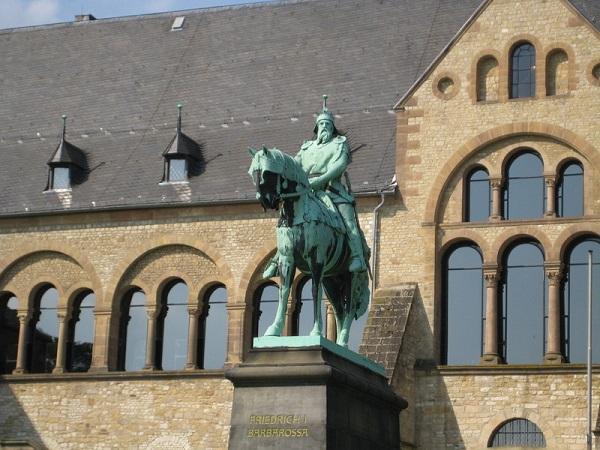 Reiterstandbild Barbarossa Goslar Kaiserpfalz