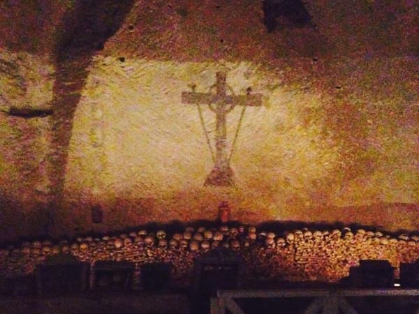 Friedhof Neapel Cimitero delle Fontanelle