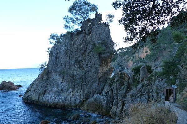 Klippen raue Küste Cami de Rondes