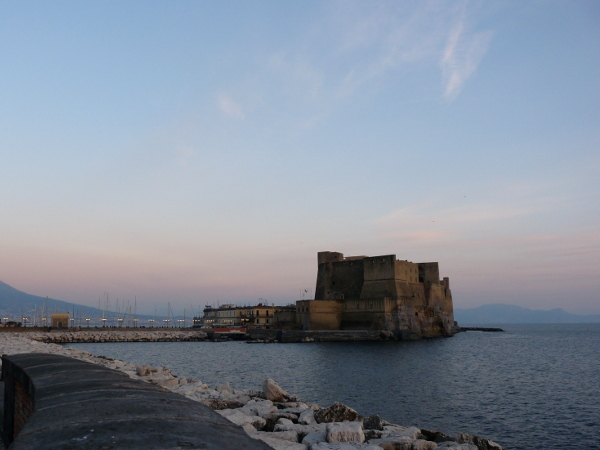 Neapel Castel dell Ovo am Abend