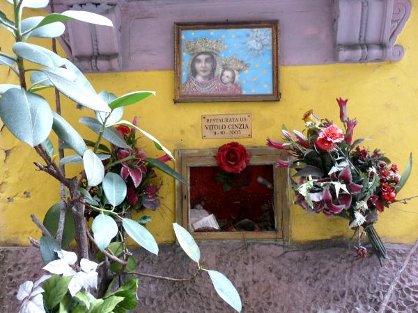 Neapel Madonna Altstadt