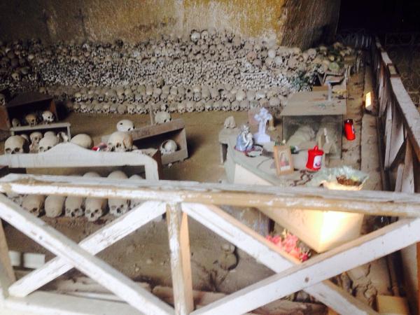 Neapel Napoli Cimitero delle Fontanelle