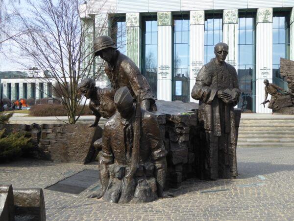 Denkmal der Warschauer Helden
