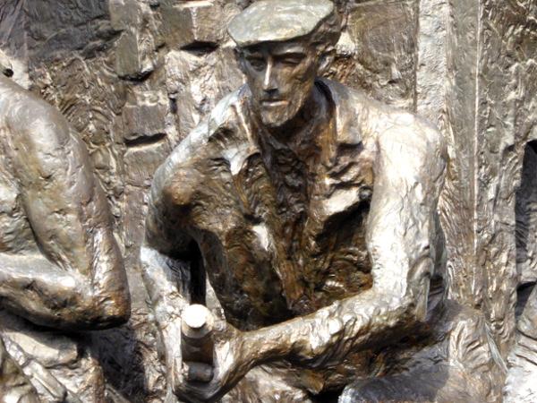 Warschau Denkmal der Warschauer Helden