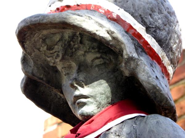 Warschau Denkmal des kleinen Aufständischen