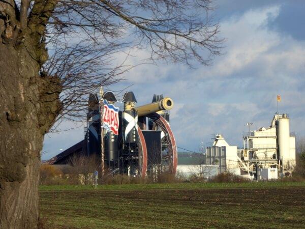 Betonfabrik in der Nähe von Austerlitz