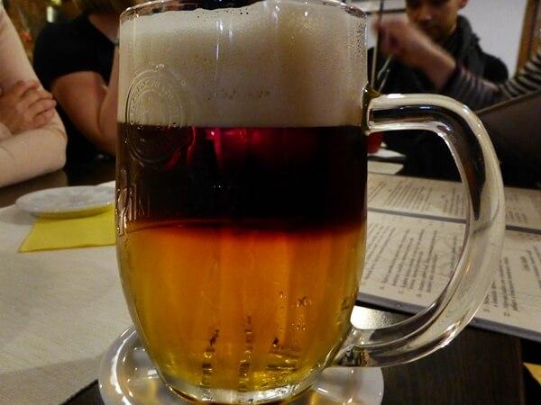 geschnittenes Bier tschechisch