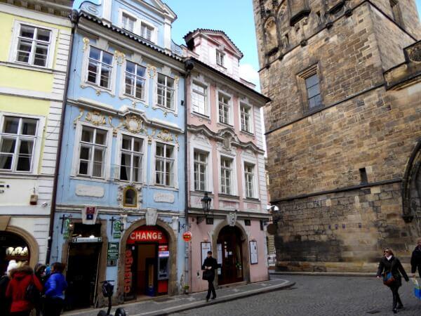 kurz vor der Karlsbrücke Prag