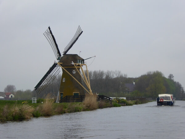 windmühle am Kanal Holland