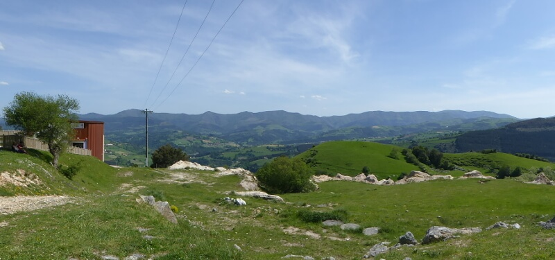 Berge im Baskenland Bizkaia Spanien