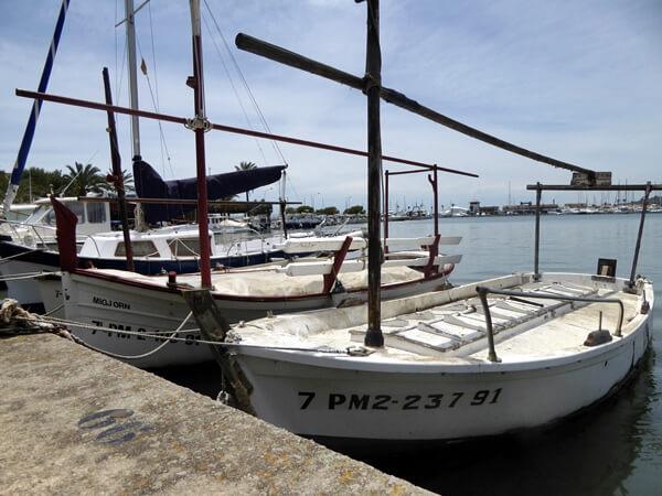 Boote im Hafen Alcudia Mallorca