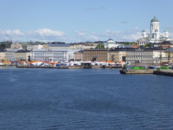 Helsinki Hafen vom Schiff aus