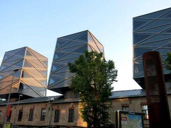 Tallinn im Rotermann Viertel alte und neue Bauten