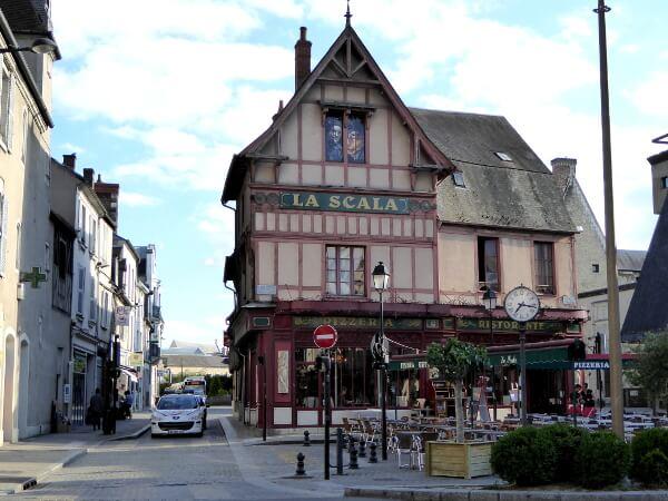 Bourges Frankreich altstadt la scala