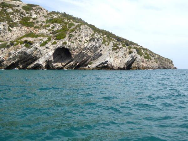 Höhlen Küste Sitges