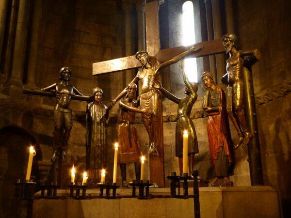 Kreuzabnahme Figuren San Joan de les Abadesses