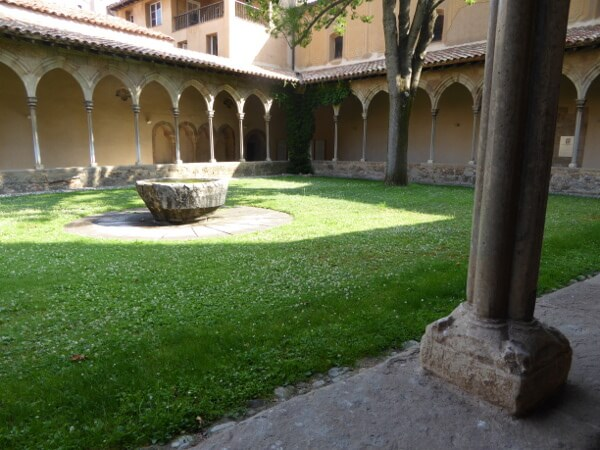 San joan de les abadesses Kreuzgang