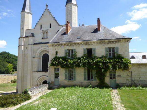 abbaye fontevraud kirche