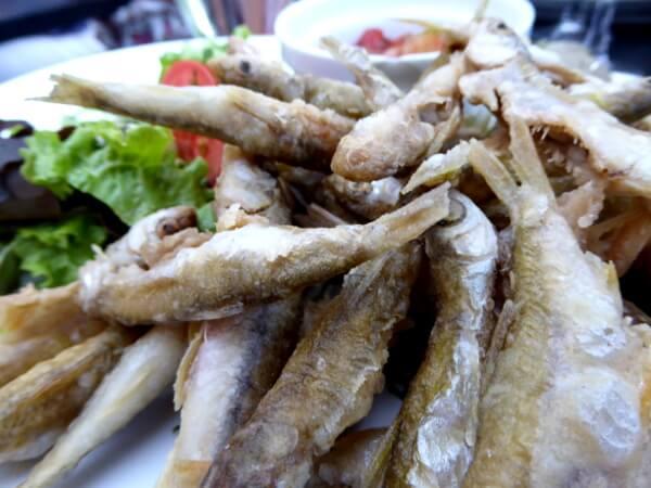 fische aus der Loire frittiert