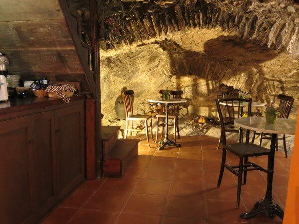 kleine Bar in Beget