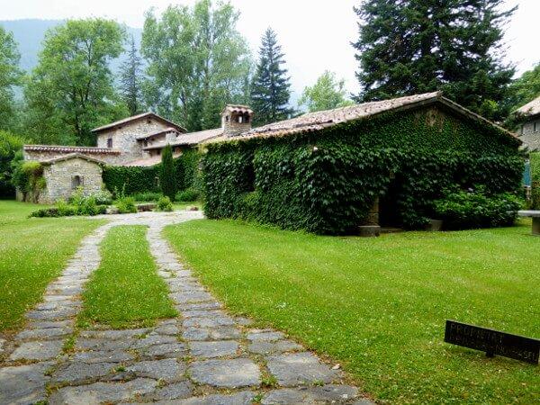 passeig maristany Haus mit kloster soria camprodon