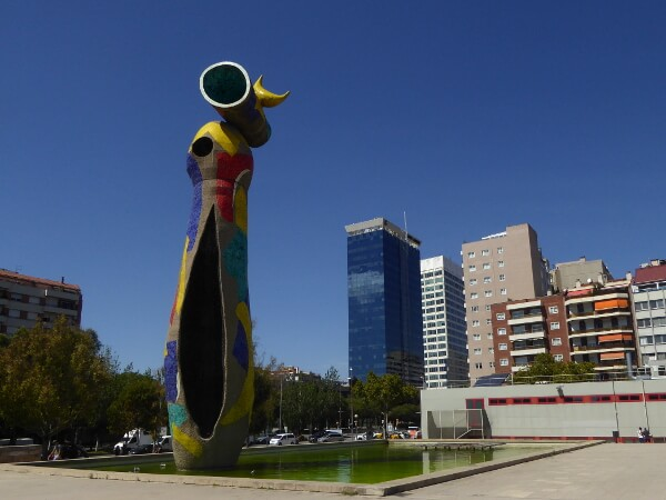 Miro Barcelona Frau und Vogel