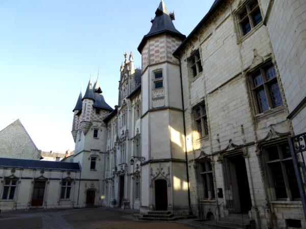 Rathaus Saumur Rückseite
