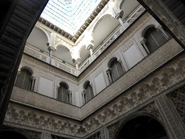 Alcazar Sevilla weisse Halle der Puppen