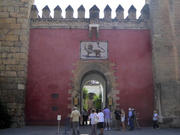 Löwentor Real Alcazar Sevilla