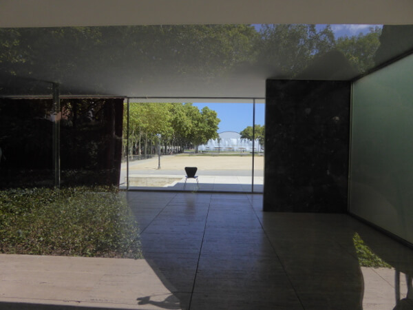 Mies van der rohe Deutscher Pavillon Barcelona Grundriss offene Räume