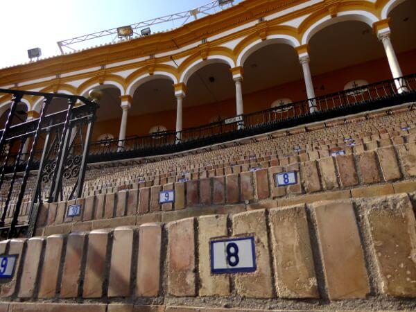 Sevilla Stierkampf Ränge Sitze Sol sombra Arena