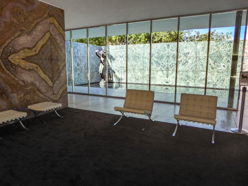 barcelona pavillon mies van der rohe moebel
