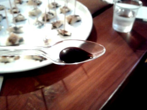 Schwarze Perlen - Aceto Balsamico di Modena 8