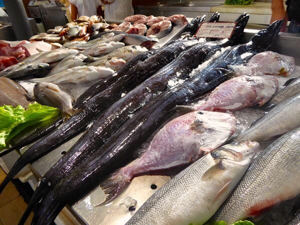 Loule Markt Schwertfisch und Peixe Porco