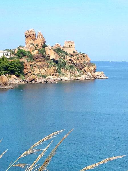 felsen Küste Sizilien cefalu