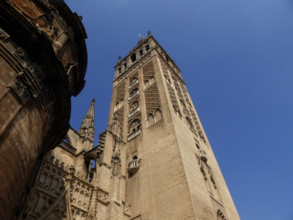 la giralda Sevilla kathedrale Freibeuter reisen