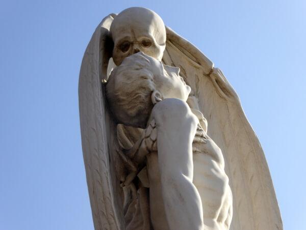 Beso de la Muerte Friedhof Poblenou Barcelona