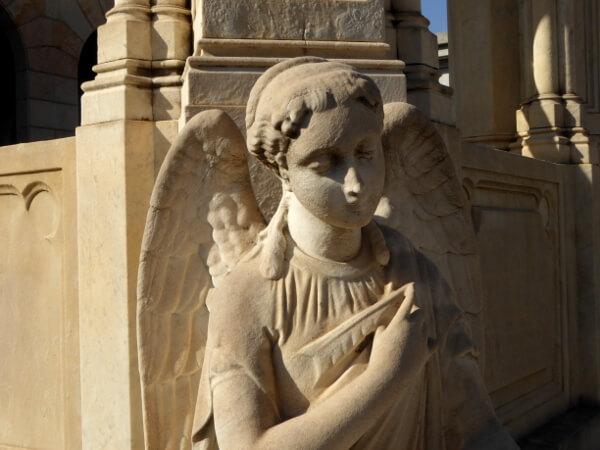 Friedhof poblenou Barcelona Grab Statue cementiri